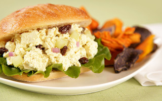 vegan_tofu_egg_salad_sandwich_recipe_jill_skeem_8522_LR